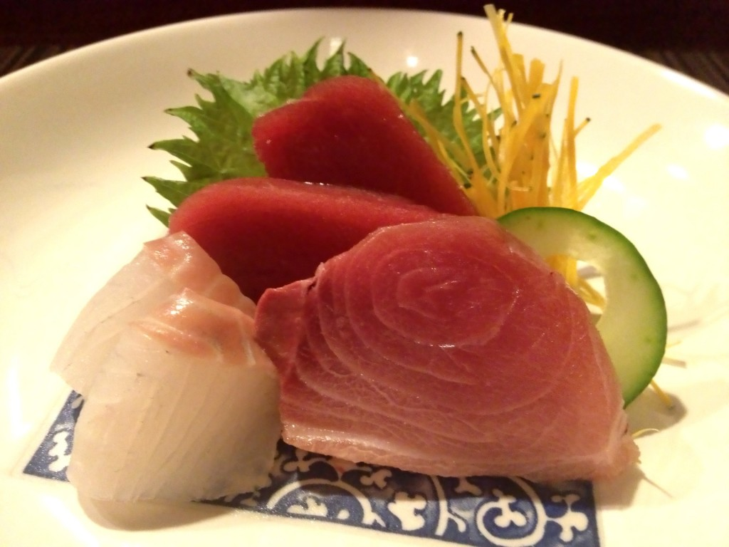Honmaguro (Bluefin Tuna), Hirame (Halibut), Suzuki (Sea Bass) Sashimi (© 2013 The Offalo)