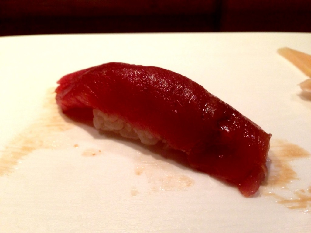 Honmaguro Akami (Lean Bluefin Tuna) @ Shunji (© 2013 The Offalo)