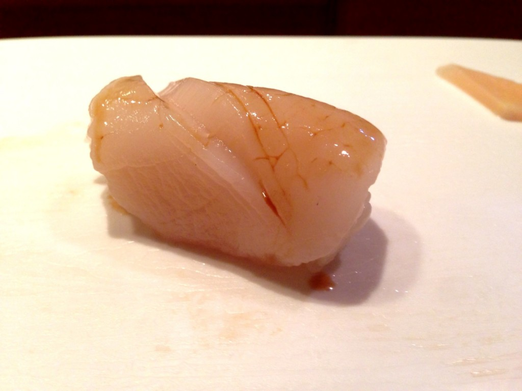 Live Hotate (Scallop) @ Shunji (© 2013 The Offalo)