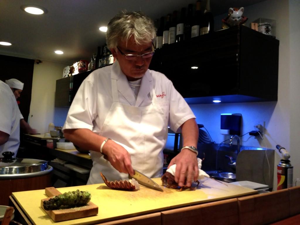Shunji Dispatching an Ise-Ebi (Japanese Spiny Lobster) @ Shunji (© 2013 The Offalo)