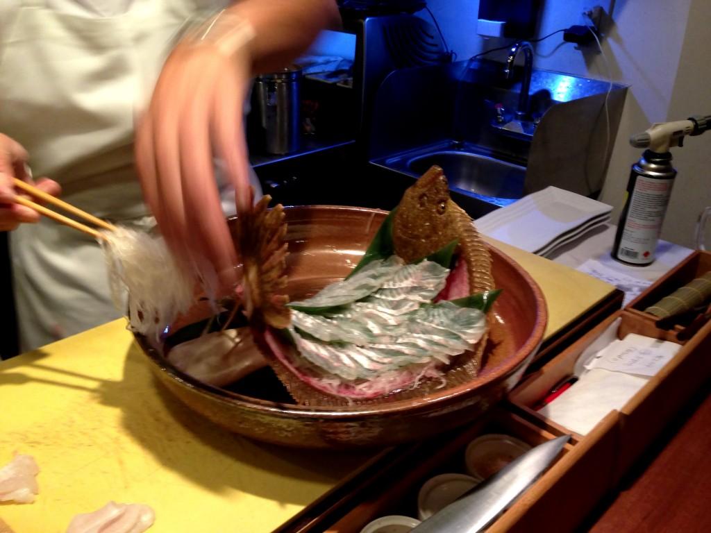 Shunji Preparing Live Hirame Sashimi (For Other Guests) @ Shunji (© 2013 The Offalo)